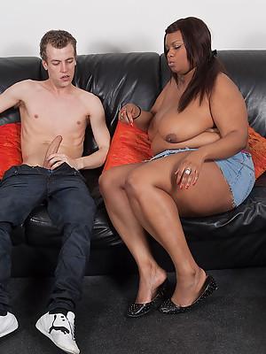 Shaved dark fattie seduces her horny golf coach & jumps his bones hard